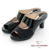 【CUMAR】優雅化身鏤空感鑽飾尖頭粗跟魚口粗跟涼鞋(黑色)