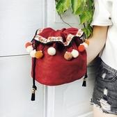 蘇塔設計2019新品民族風流蘇束口小包可愛小清新斜挎包手提包包