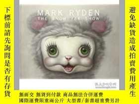 二手書博民逛書店The罕見Snow Yak Show by Mark Ryden