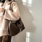 軟皮百搭大容量女包大包 輕熟職業手提包 女款單肩斜挎包 小衆設計女生托特包 女款簡約托特包