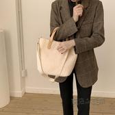 包包女新款秋冬ins羊羔毛少女時尚百搭簡約大容量側背手提包  魔法鞋櫃