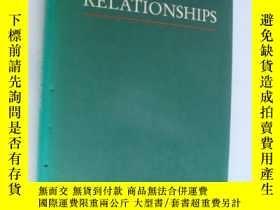 二手書博民逛書店HUMAN罕見RELATIONSHIPS:a philosoph