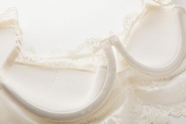 成套內衣褲免運費●佛羅倫斯 荷葉肩帶歐美蕾絲馬甲性感-薄杯D杯●預購紅黑白色[U1221]朵曼堤洋行