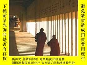 二手書博民逛書店Golden罕見EarthY364682 Norman Lewis Eland Publishing Ltd