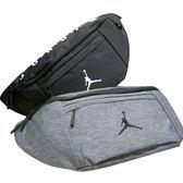 JORDAN 喬丹 腰包 運動腰包 大腰包 側背包 大容量 休閒 經典LOGO 9A0242 得意時袋