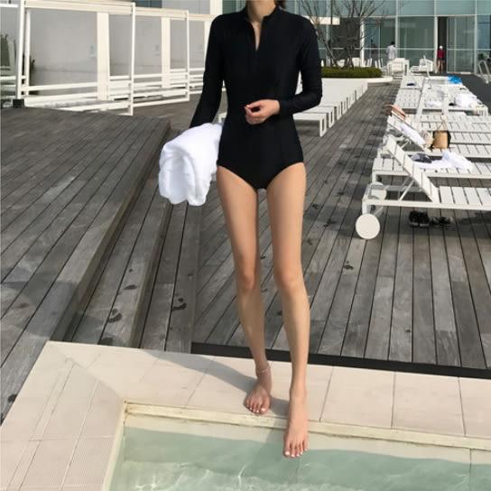 梨卡★現貨 - 韓國[性感深V+舒適無鋼圈]拉鍊防曬長袖黑色顯瘦連身泳裝比基尼泳衣衝浪潛水衣CR199