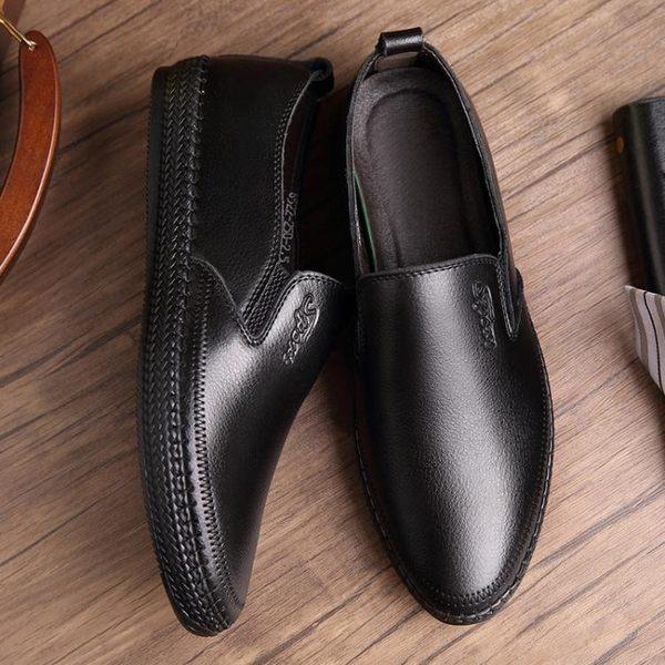 男休閒鞋 平底鞋 秋冬新款皮鞋男士英倫時尚平底單鞋套腳中老年鞋保暖男鞋子《印象精品》q1566