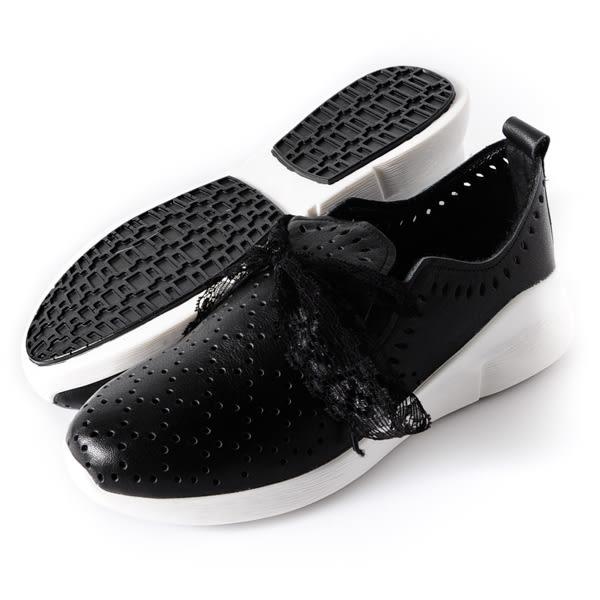 DeSire  蕾絲綁帶簍空休閒鞋  -黑