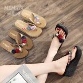 高跟時尚防滑涼拖鞋女夏海邊沙灘鞋厚底度假外穿夾腳花朵人字拖 伊衫風尚