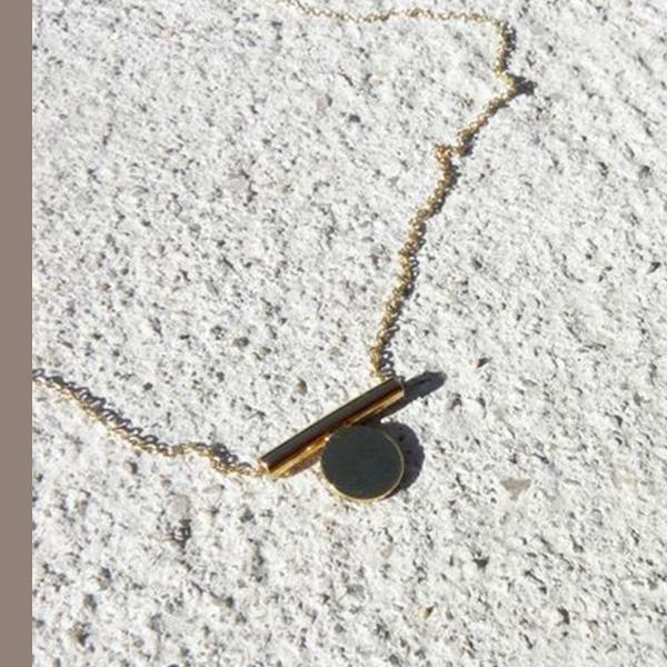 完美平衡~極簡一字圓管小圓片鎖骨項鍊601213/2色