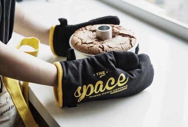 隔熱手套 Moreover原創設計耐高溫加厚防燙隔熱手套烘焙烤箱微波爐手套 伊蘿鞋包