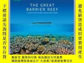 二手書博民逛書店The罕見Great Barrier Reef 大堡礁:世界上的