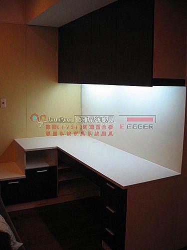 【系統家具】主臥室 小L型書桌 木門吊櫃 床頭矮櫃