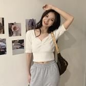 短袖針織上衣 夏季溫柔風V領短袖女巨顯瘦冰絲針織打底衫短款上衣 Ballet朵朵
