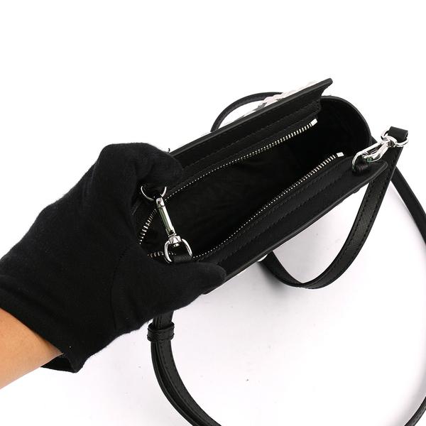 【MICHAEL KORS】黑色鉚釘selma saffiano cross-body(迷你)(黑色) 32H4SSMC3L 001
