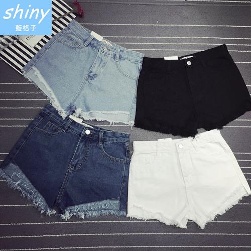 【V1775】shiny藍格子-美式率性.前短後長高腰抽鬚造型牛仔短褲