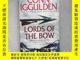 二手書博民逛書店Lords罕見of the Bow (Conqueror)(英文