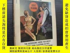 二手書博民逛書店THE罕見LOVE TRAP  1965年版Y857