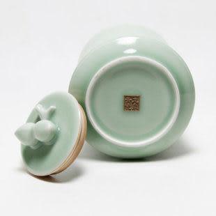 龍泉青瓷弟窯琮式茶葉罐
