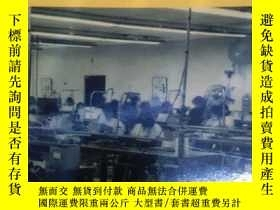 二手書博民逛書店英文原版:Life罕見and labor on the bord