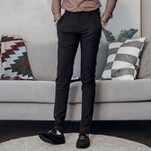 男 窄版/彈性/休閒褲 L AME CHIC  後口袋蜻蜓刺繡休閒長褲【 LCGBP011801 】