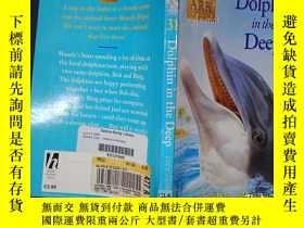 二手書博民逛書店Dolphin罕見in the Deep (Animal Ark