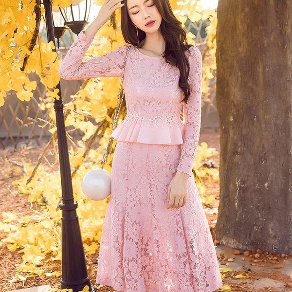 中大尺碼*小香風圓領花朵蕾絲顯腰兩件套(上衣+中長裙)套裝~秋裝新款~美之札