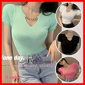 短版針織上衣 春夏BM風短款修身顯胸短袖針織上衣女 白色 綠色 粉色 黑色 依米迦