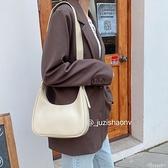 包包女復古腋下大容量2020簡約百搭手提包月牙側背斜背餃子包女潮 黛尼時尚精品