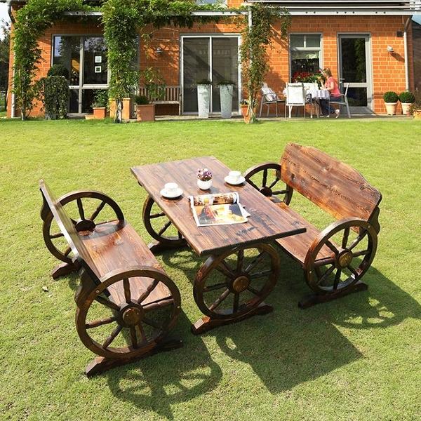 戶外桌椅 三件套陽台桌椅酒吧休閒庭院桌椅碳化防腐木車輪桌椅【八折搶購】