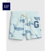 Gap嬰兒 Logo印花鬆緊腰抽繩短褲 464148-霧淺綠色