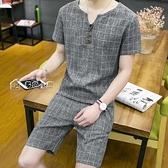 短袖上衣夏格子套裝男t恤短袖v領上衣潮男短褲休閒運動套裝大碼薄款兩件套 快速出貨