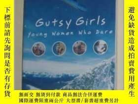 二手書博民逛書店英文原版小說《罕見Gutsy Girls : Young Wom