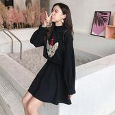 VK精品服飾 韓國學院風時尚刺繡小狗印花套裝裙長袖裙裝