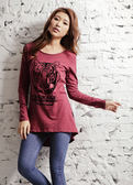 【BTIS】Courage 長版女長袖T恤 酒紅色