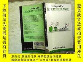 二手書博民逛書店Living罕見with FOOD INTOLERANCE 32