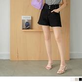 《BA6320-》純色高腰收腹排釦腰頭造型反摺短褲 OB嚴選