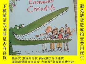 二手書博民逛書店The罕見Enormous Crocodile圖畫書大開本Y380600 ROALD dahl PUFFIN