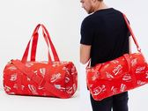 Hsin 84折 現貨 Herschel Sparwood Sutton 中型 Coke 可口可樂 Coca Cola 聯名 帆布 側背 手提 出國 旅行袋