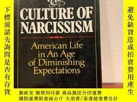 二手書博民逛書店The罕見Culture of Narcissism: Amer