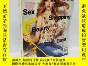 二手書博民逛書店GLAMOUR罕見2012年,外文原版雜誌,書籍有壓痕Y22565