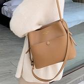 斜挎包 2021秋冬新款韓版時尚中號女包網紅洋氣手提包斜挎單肩水桶包