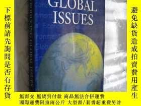 二手書博民逛書店Introducing罕見Global Issues 英文原版 館藏Y12480 by Michael T.