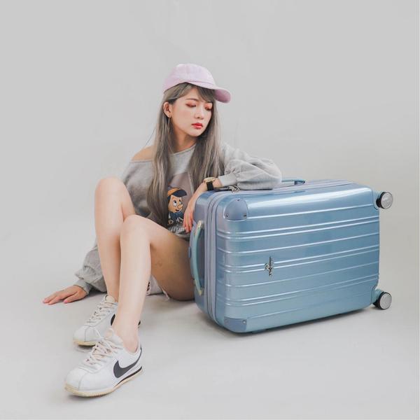 行李箱 旅行箱 登機箱 奧莉薇閣 20吋可加大PC硬殼 國色天箱 寧靜藍