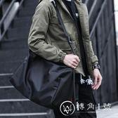 斜背包 男運動大容量單肩牌帆布休閒健身背包正韓男包 轉角1號