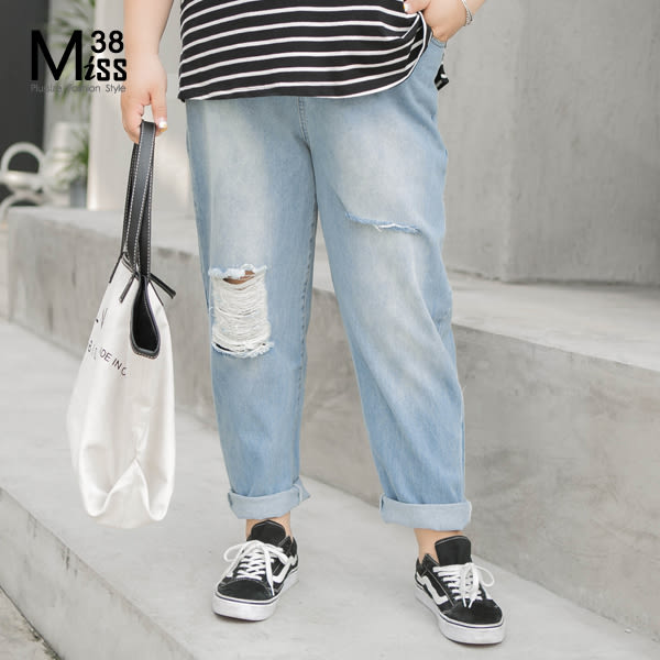 Miss38-(現貨)【A02240】大尺碼牛仔長褲 BF風男友褲 寬鬆破褲 後鬆緊腰 割破不收邊九分褲 -中大尺碼