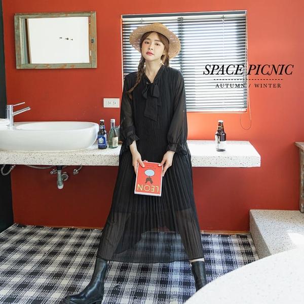 洋裝 Space Picnic|素面綁帶百摺洋裝-附綁繩(預購)【C21082066】