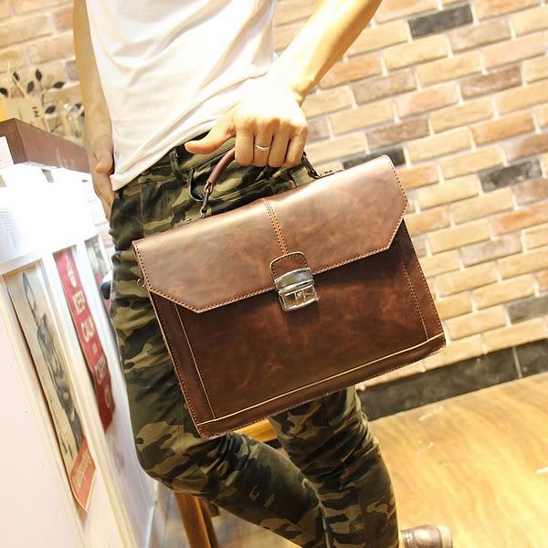 復古斜背郵差包 男側背包《印象精品》y411