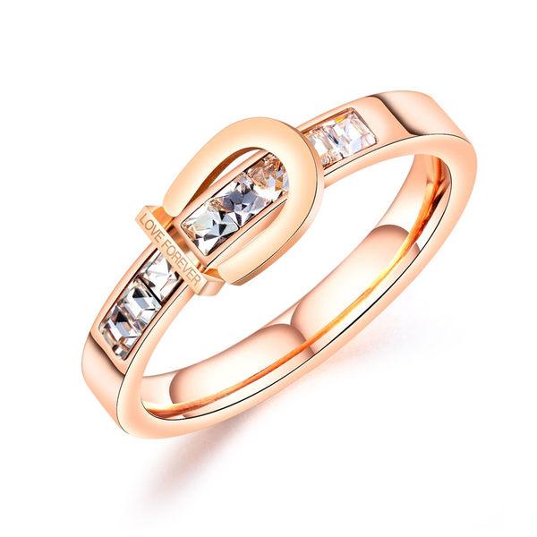 【5折超值價】時尚精美特色鑲鑽造型女款鈦鋼戒指