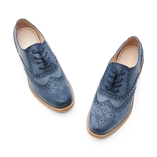 MICHELLE PARK 英倫 ‧ 牛皮質感雕花圖案牛津鞋-藍色
